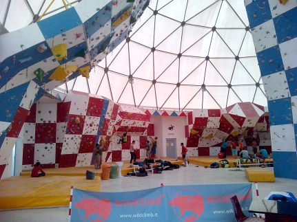 40km from Bari, there is K2, huge, modern climbing gym.